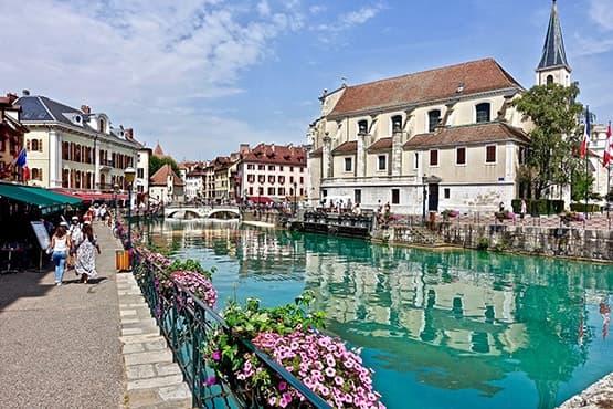 Visite d'Annecy avec chauffeur privé pour découvrir la préfecture de la Haute-Savoie